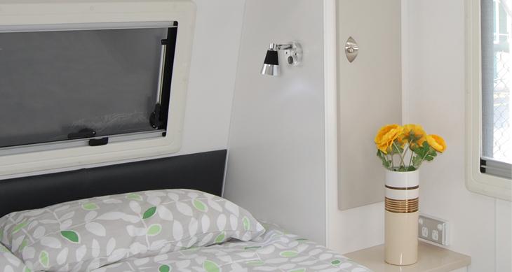 2x12v led leseleuchte wandlampe wohnmobil wohnwagen. Black Bedroom Furniture Sets. Home Design Ideas